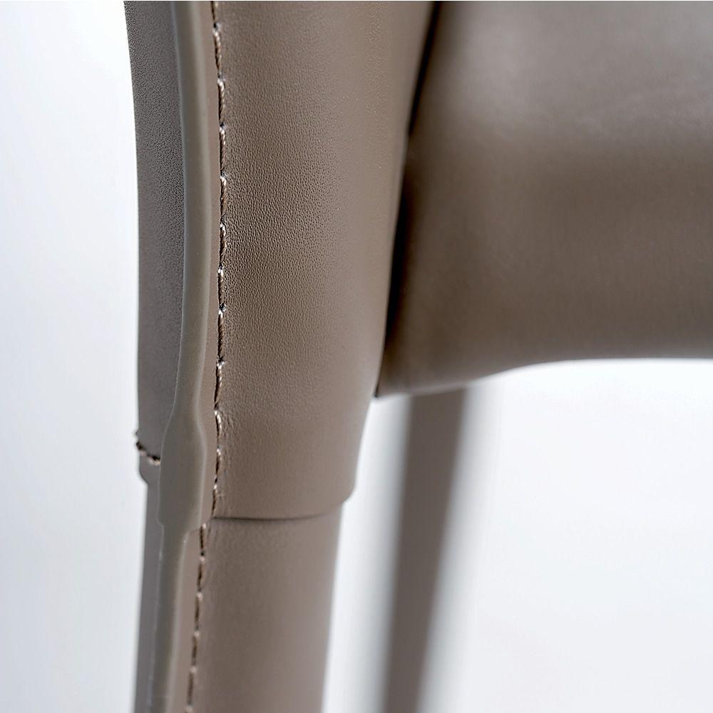 Vr58 sedia impilabile interamente rivestita in - Color fango abbinamenti ...