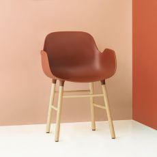 Form-PW - Poltroncina Normann Copenhagen in legno, seduta in polipropilene, diversi colori disponibili