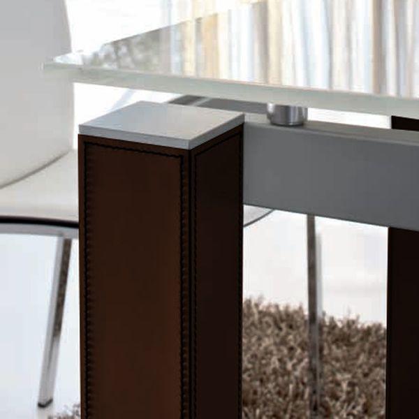 Taliedo 8015 tavolo tonin casa con gambe rivestite in for Creatore di piano casa personalizzato