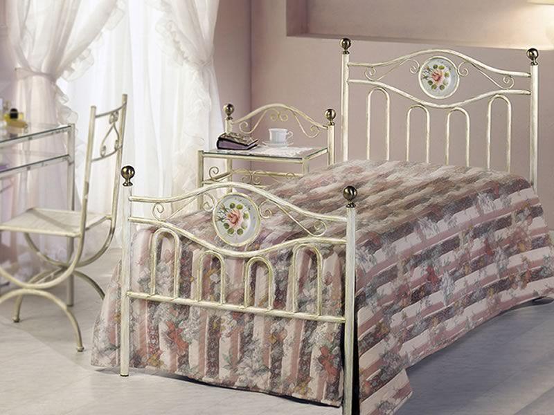 Lavinia s letto singolo in ferro con decoro dipinto a - Letto in ottone rovinato ...