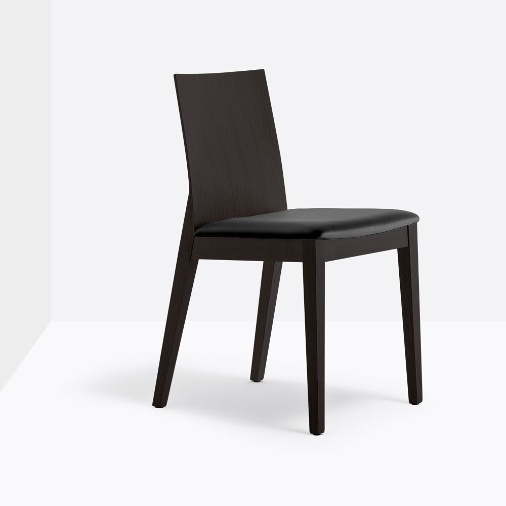 twig 429 chaise pedrali en bois de ch ne avec assise rembourr e sediarreda. Black Bedroom Furniture Sets. Home Design Ideas