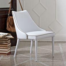 Clara P - Sillón tapizado Bontempi Casa, en metal acolchado, disponible en distintos revestimientos