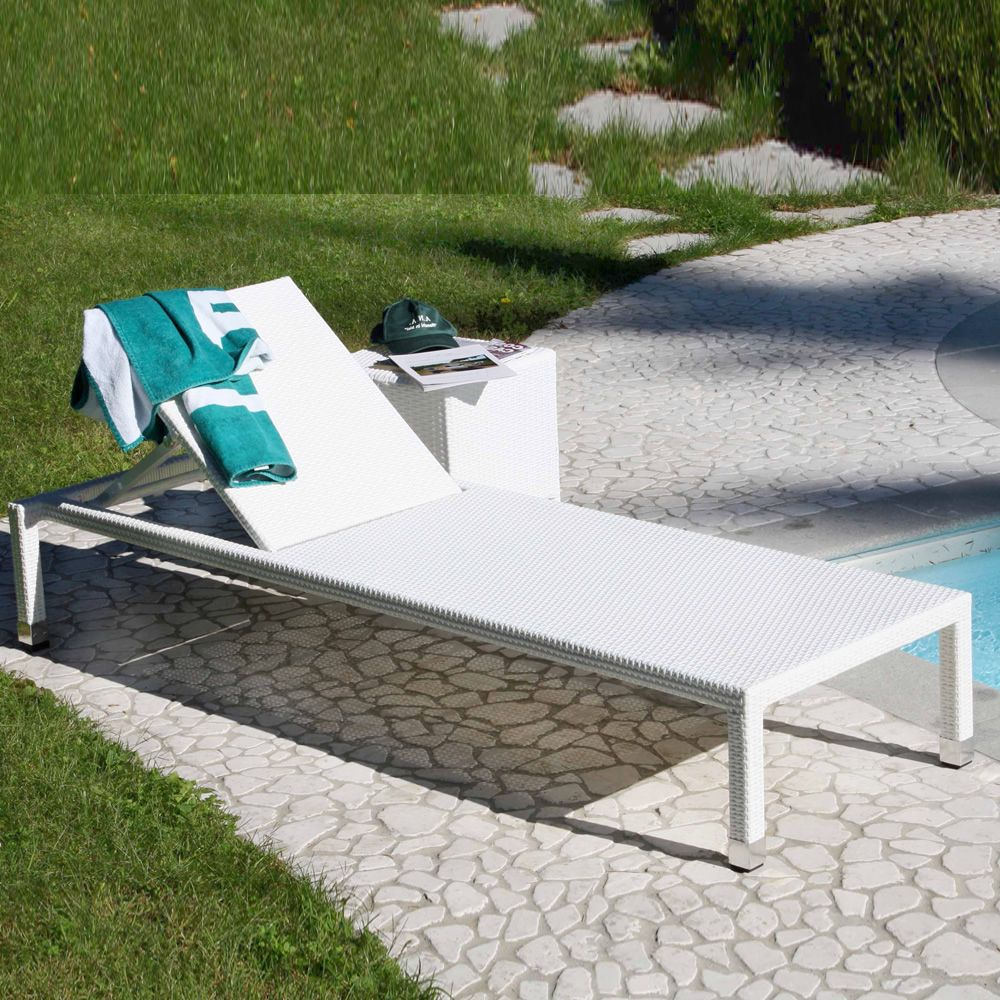 Sam chaise longue de jardin avec table basse en blanc for Table exterieur 40x40