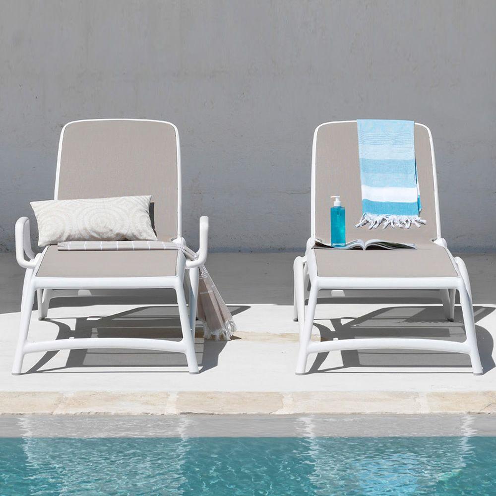 atlantico sonnenliege aus polypropylen stapelbar mit verstellbarer r ckenlehne. Black Bedroom Furniture Sets. Home Design Ideas