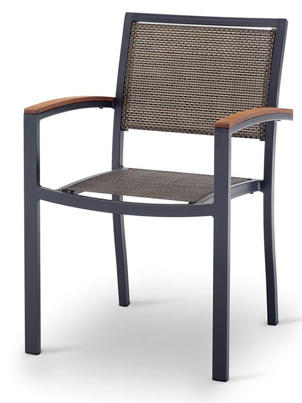Tt941 silla apilable con apoyabrazos en aluminio y for Sillas de madera para exterior