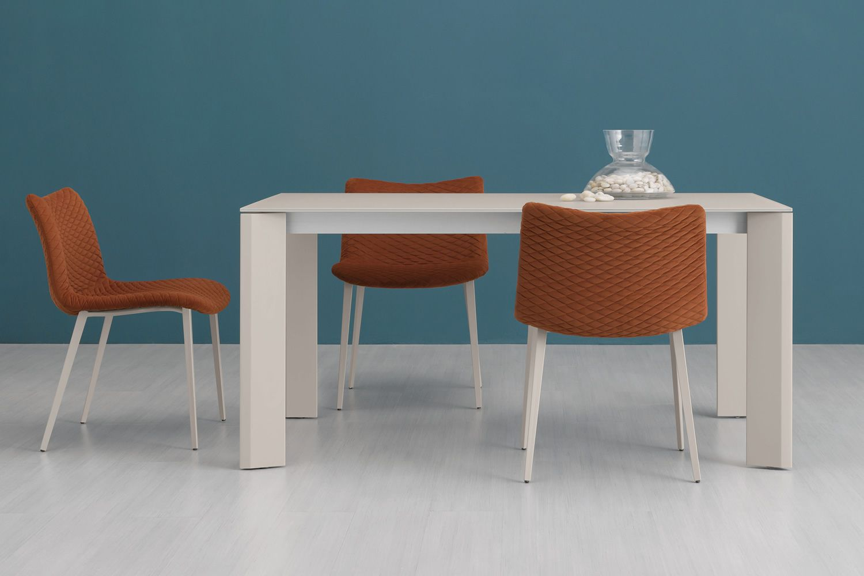 Neos 160 tavolo domitalia in metallo con piano in vetro for Sedie fenice design
