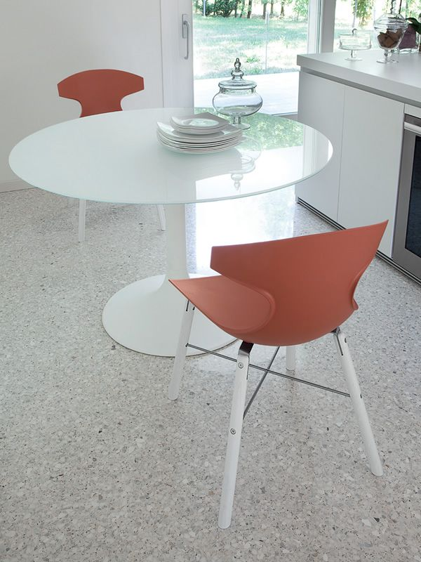 ... Corona 120   Round Table Made Of White Varnished Metal With Top In  Glass Or MDF