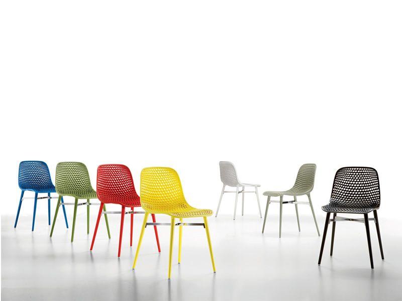 Next chaise infiniti en bois assise en polycarbonate - Chaises de couleurs ...