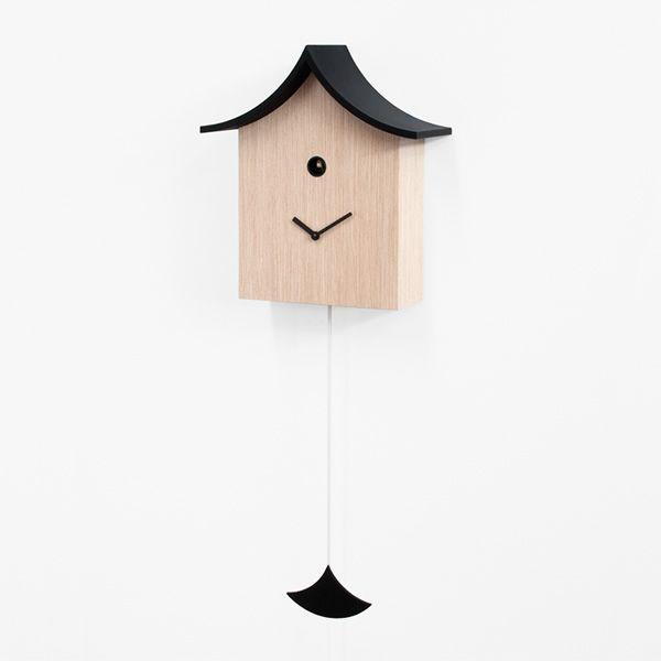 ku ku kina horloge coucou design en bois pourvue de. Black Bedroom Furniture Sets. Home Design Ideas