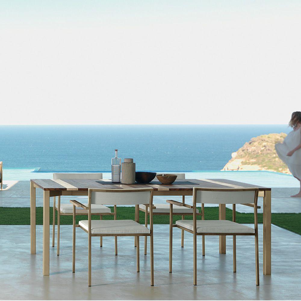 Casilda t tavolo in metallo per giardino piano in iroko for Tavoli in metallo per giardino
