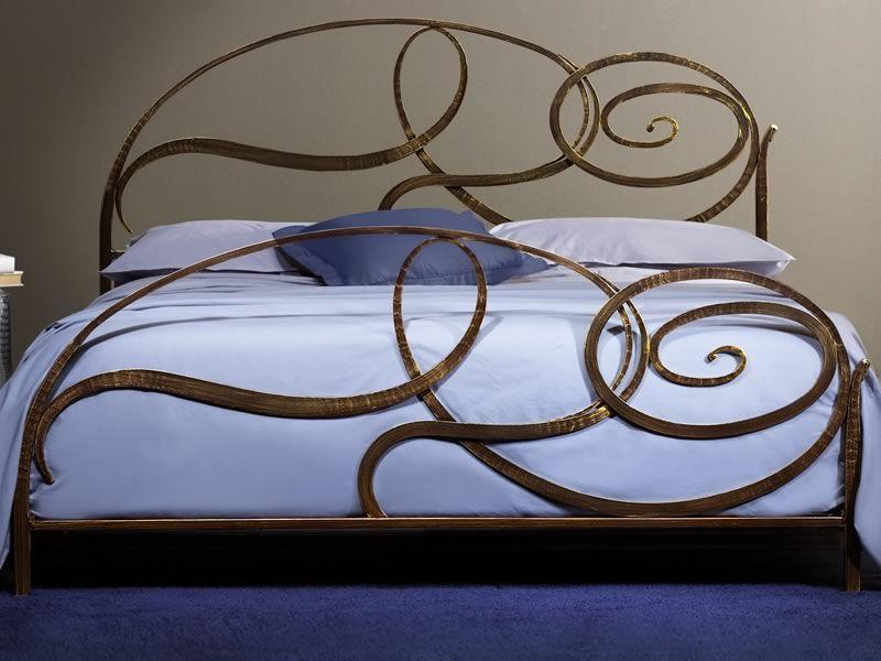 Capriccio letto matrimoniale in ferro battuto disponibile in diverse finiture sediarreda - Letto matrimoniale in ferro battuto ...