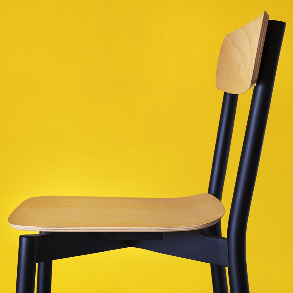 Avia | Design chair in black lacquered wood, with natural beech wooden seat