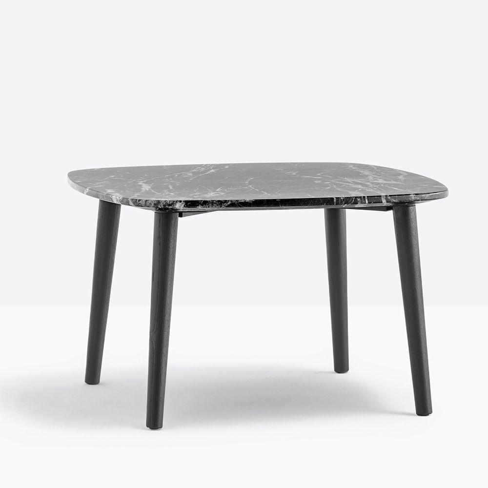 malm tm pedrali beistelltisch aus holz mit runder oder viereckiger marmorplatte in. Black Bedroom Furniture Sets. Home Design Ideas