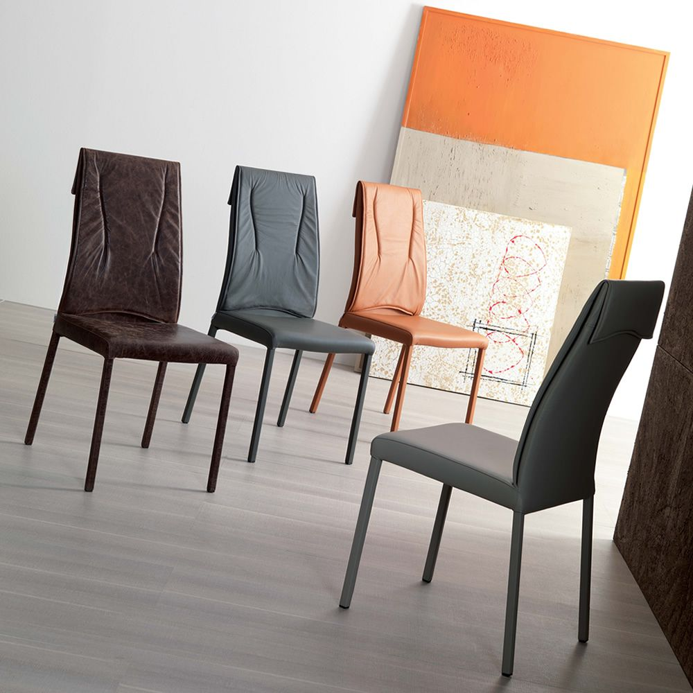 Luxy sedia moderna in metallo rivestita in pelle for Sedie pelle moderne