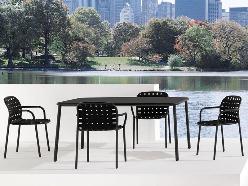 Yard T4: Tisch EMU aus Aluminium, Eschenholzplatte 160x97cm fest ...
