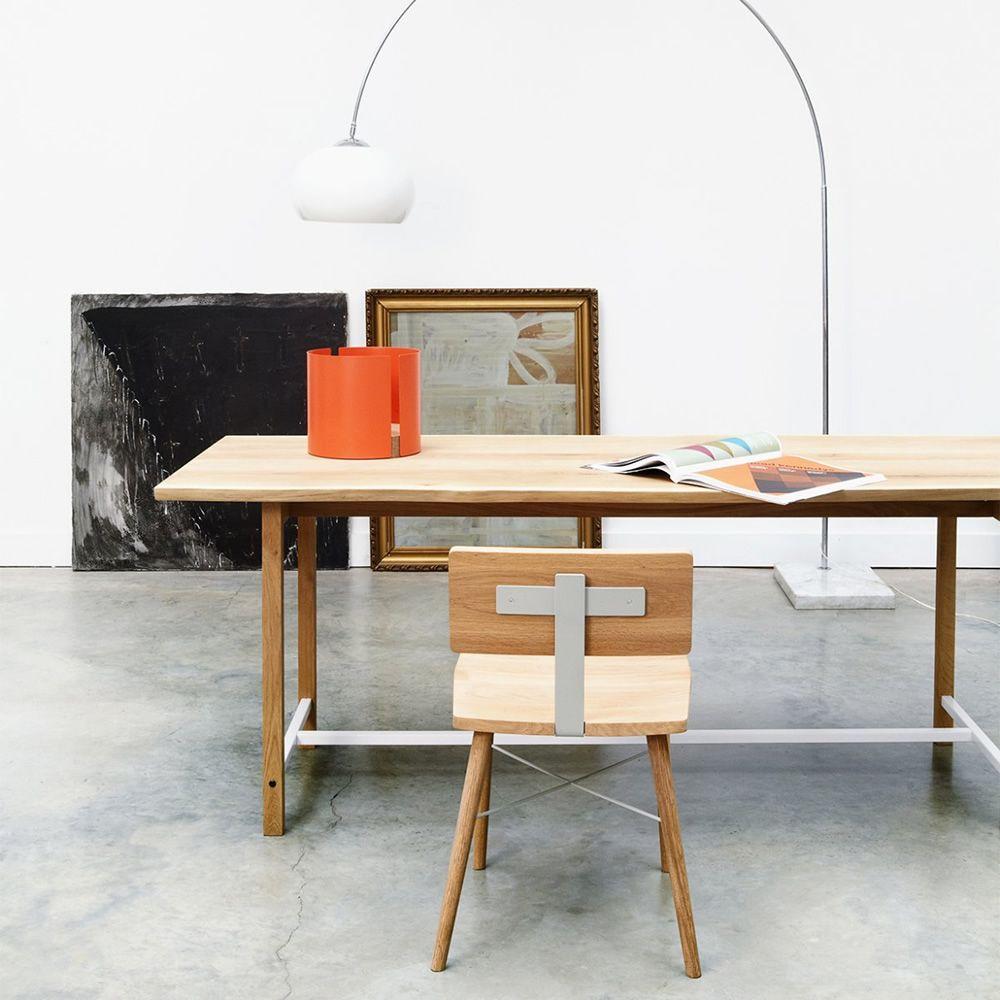 Dowel chaise universo positivo en bois avec l ments en for Table laque blanc avec chaise