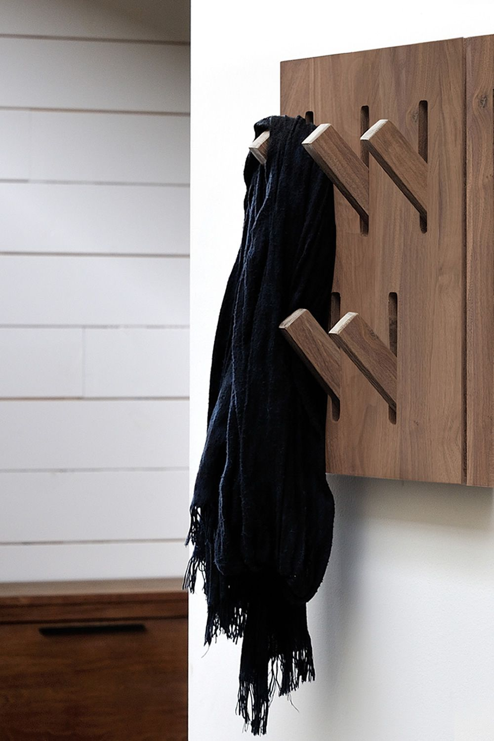 Utilitle-H | Wall coat rack with hidden hooks, made of Canaletto walnut wood