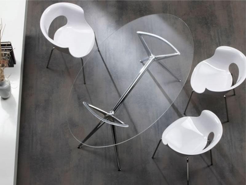 Metropolis 2400 - Tavolo moderno in metallo con piano ovale in vetro ...