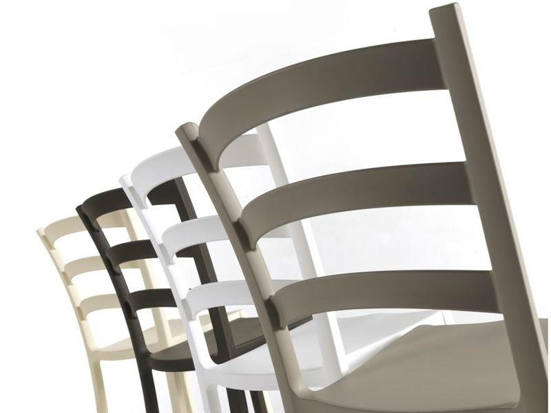Italia 150 sedia colico in polipropilene di diversi for Sedie design tortora