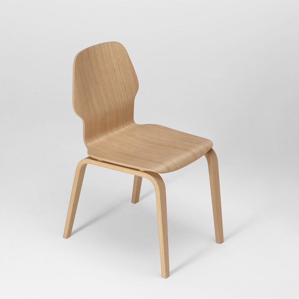 Fred chaise design en bois de ch ne multiplis empilable for Chaise en chene