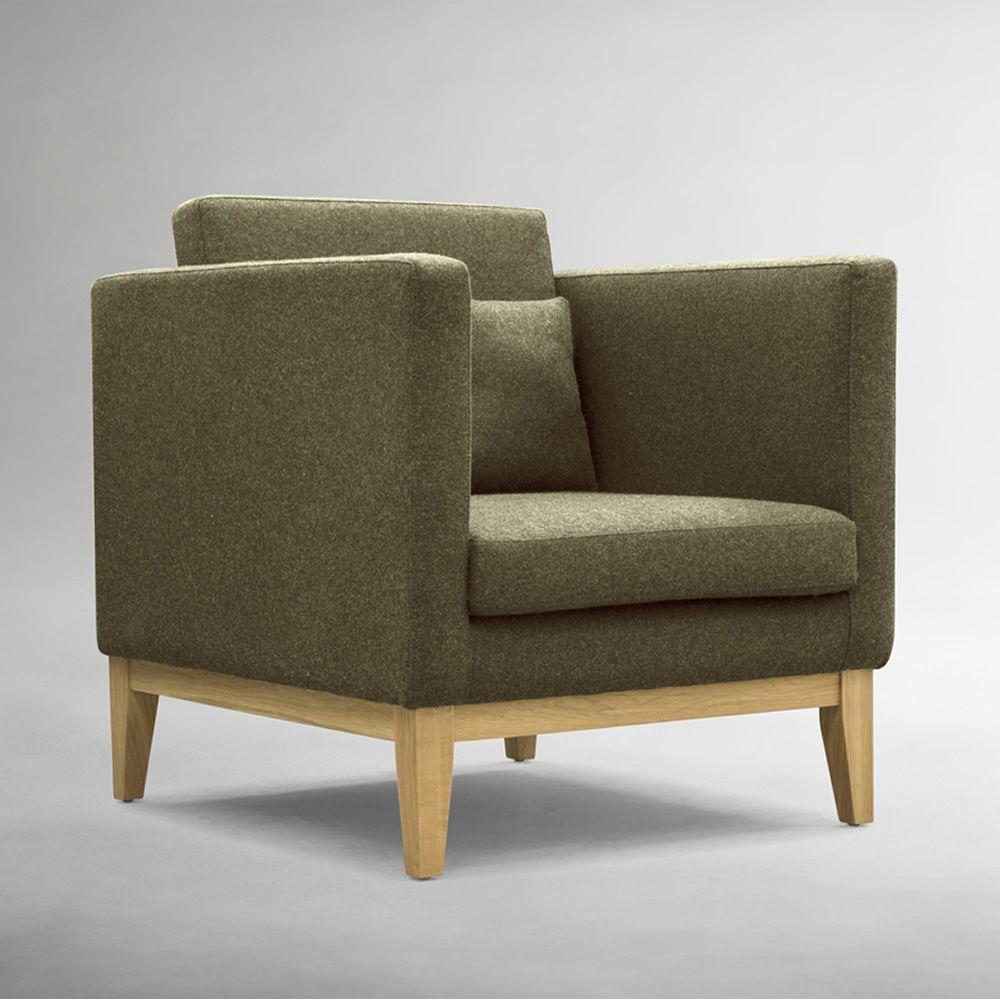 day p sessel mit gestell und beine aus holz gepolstert. Black Bedroom Furniture Sets. Home Design Ideas