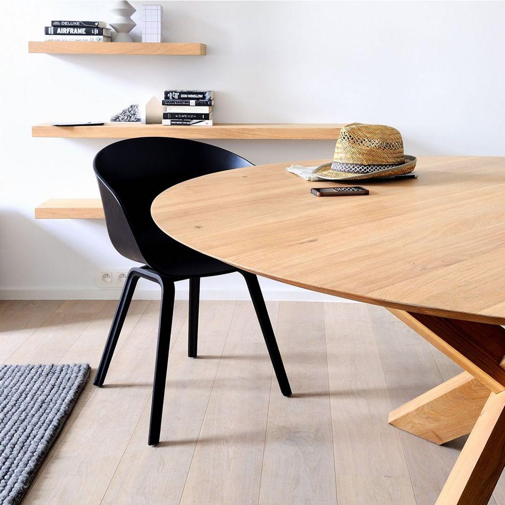 Model De Table Ronde Bara : Circle - Table ronde en bois de chêne assortie aux étagères modèle ...