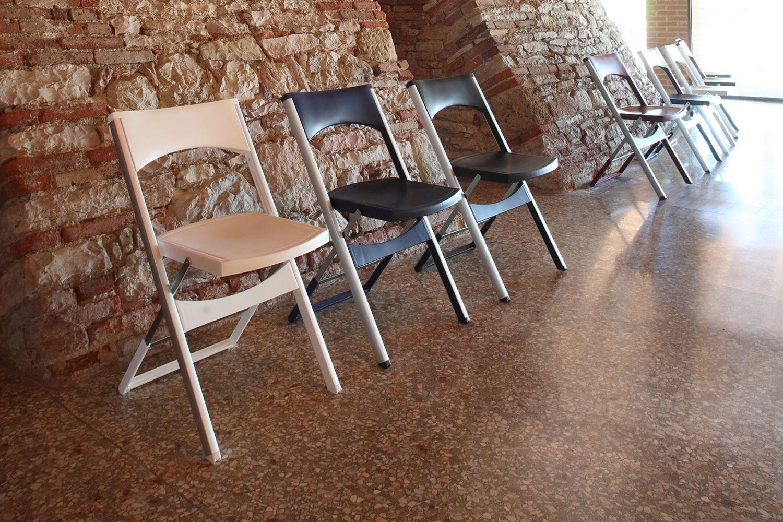 compact pour bars et restaurants chaise pliante pour l 39 ext rieur en m tal et en. Black Bedroom Furniture Sets. Home Design Ideas