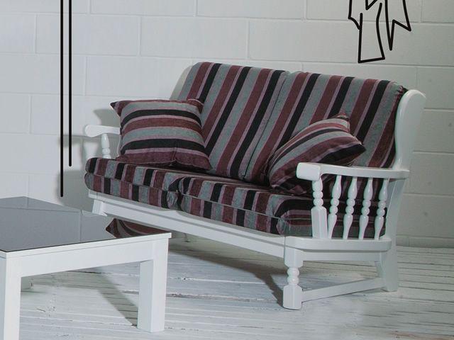 Divano rustico in legno, con cuscini, in diversi colori