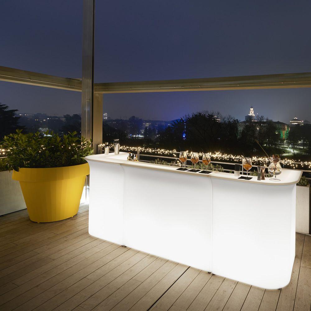 break line pour bars et restaurants comptoir de bar en poly thyl ne lumineux et modulable. Black Bedroom Furniture Sets. Home Design Ideas