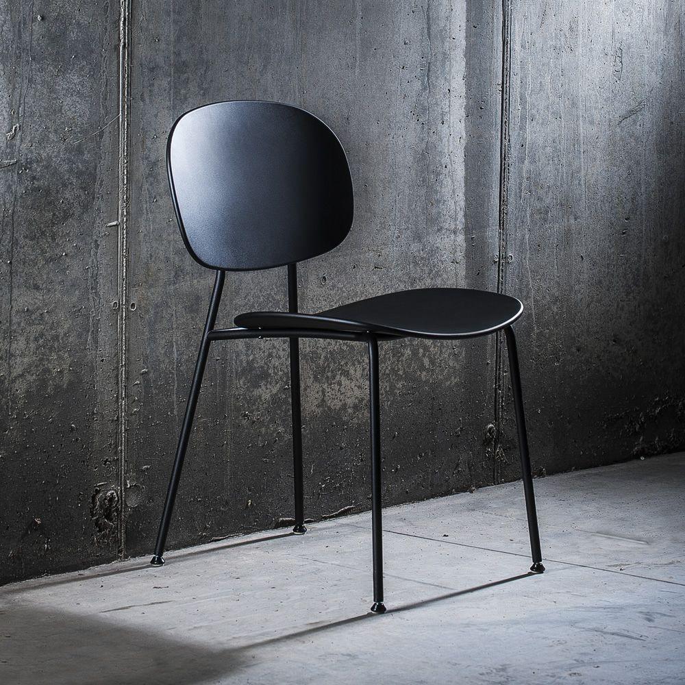 Tondina Pop | Sedia in metallo verniciato nero, seduta e schienale in polipropilene nero