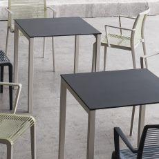 Claro - Tavolo in metallo, anche per esterno, disponibile in varie dimensioni