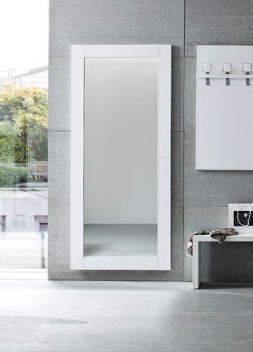 Cinquanta 04 - Dettaglio, Specchio T con cornice in Ecopelle bianca