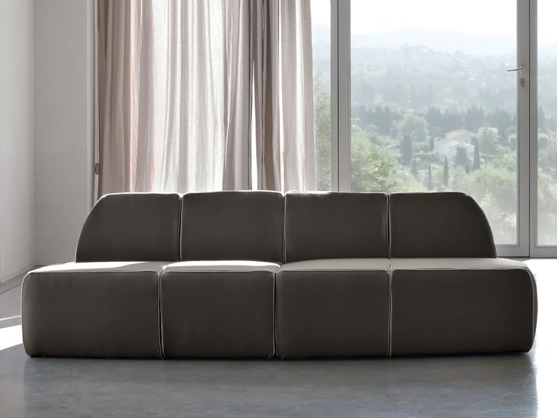 Sofa cuatro plazas great sof de cuatro plazas al estilo - Foderare divani ...
