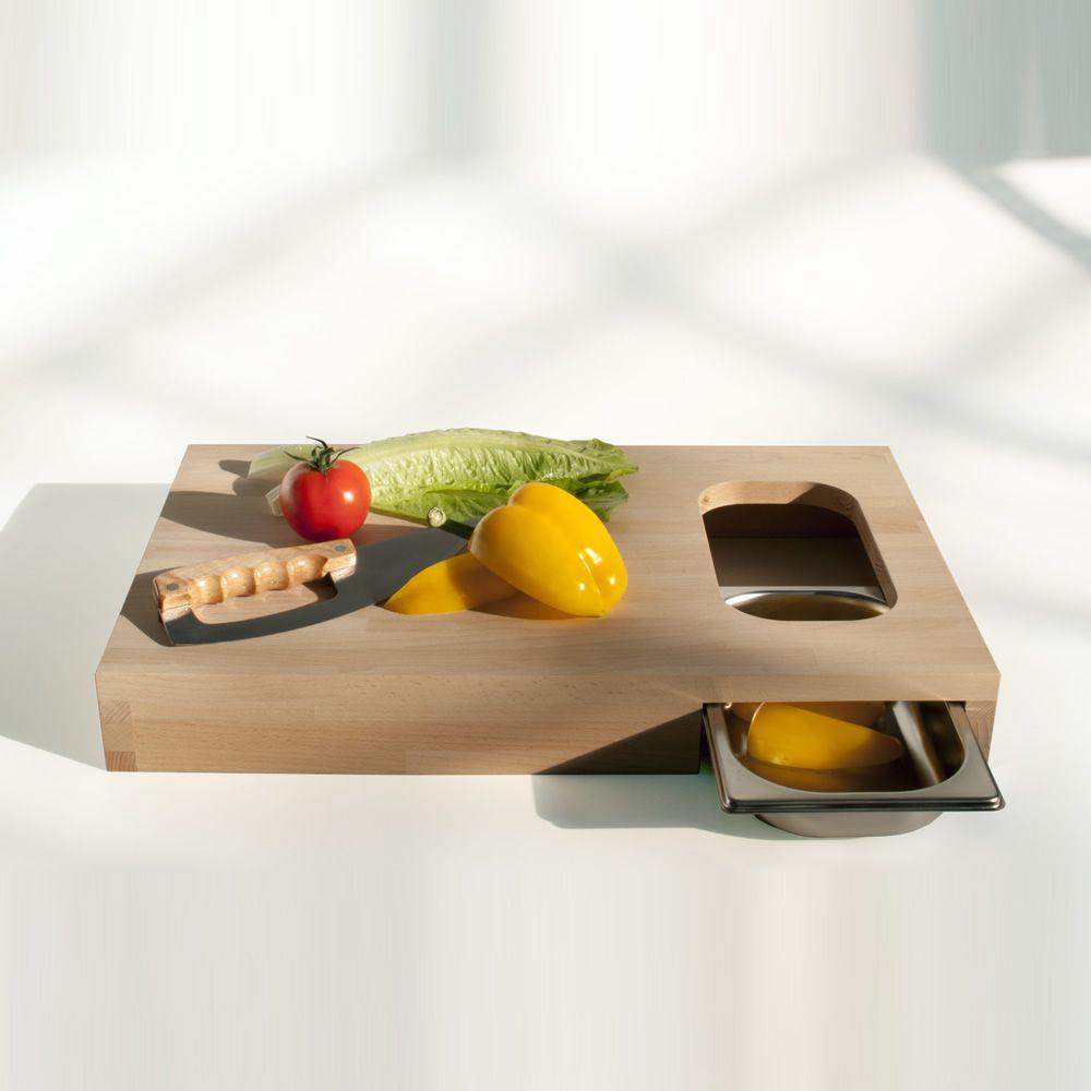 chop schneidebrett aus holz mit kleiner schale aus. Black Bedroom Furniture Sets. Home Design Ideas