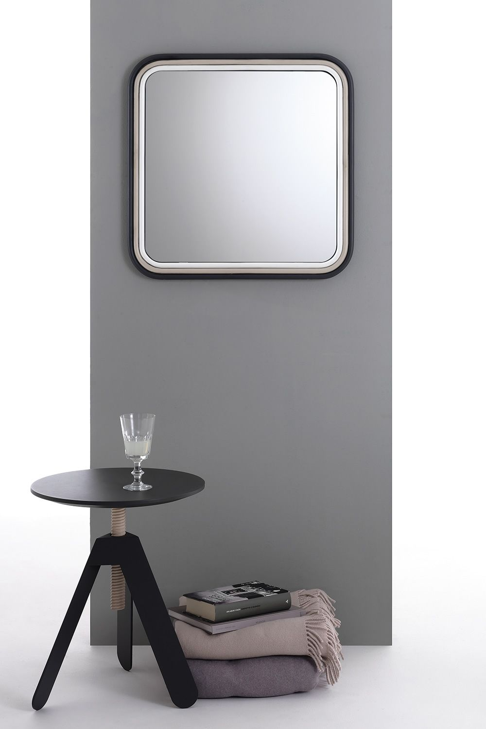 route miroir design bontempi casa carr ou rectangulaire. Black Bedroom Furniture Sets. Home Design Ideas