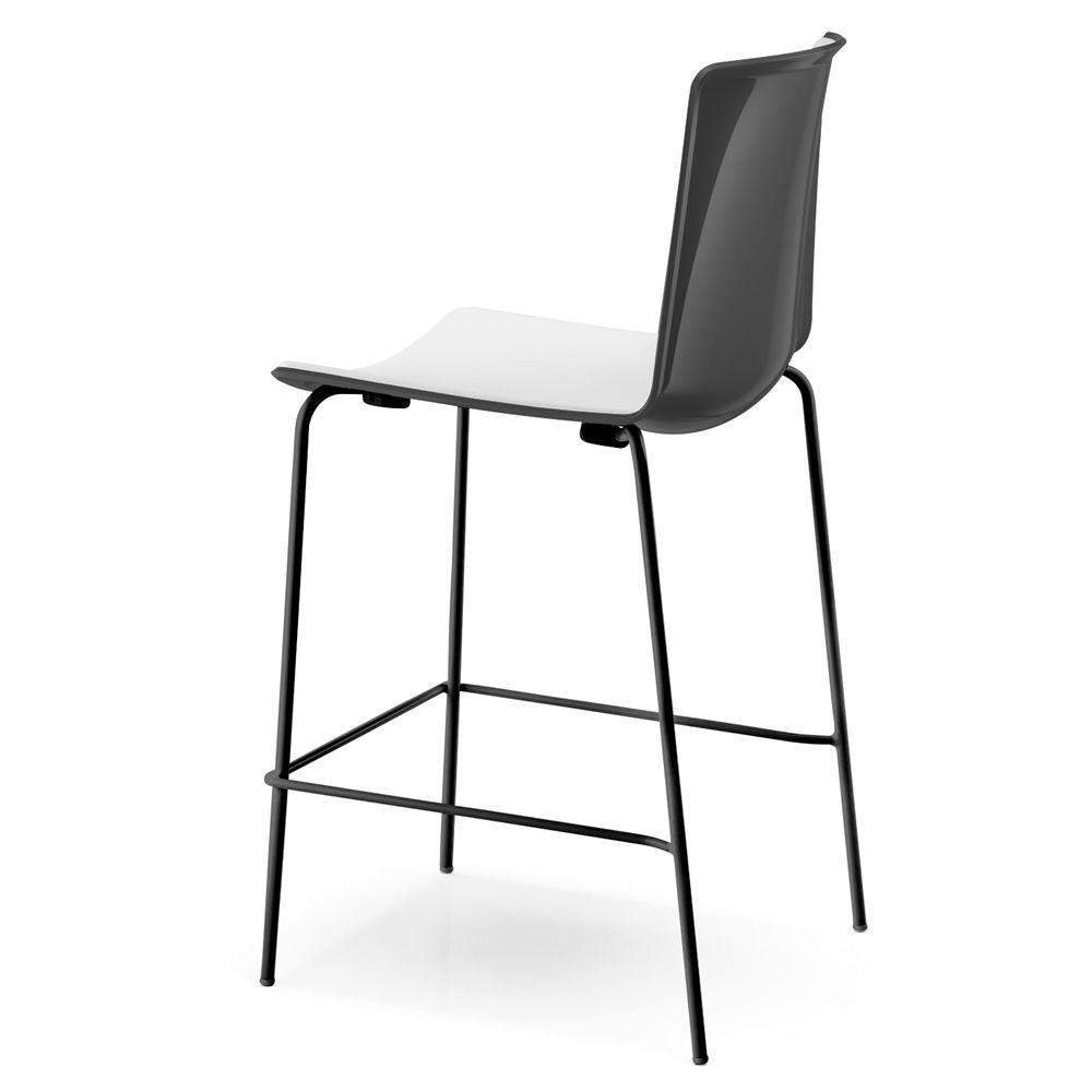 tweet 892 f r bars und restaurants pedrali hocker aus metall und polypropylen stapelbarer. Black Bedroom Furniture Sets. Home Design Ideas