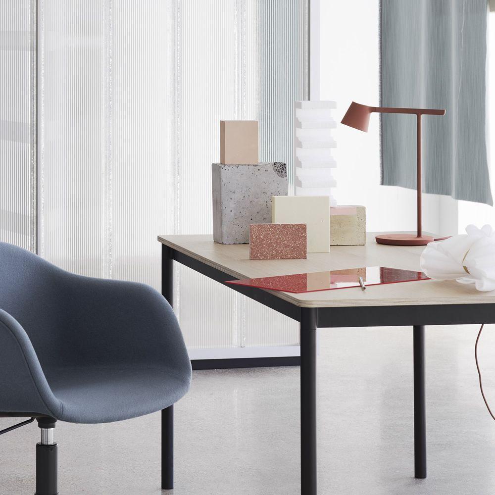 Tip lampada da tavolo muuto led in alluminio sediarreda - Lampada da tavolo a led ...