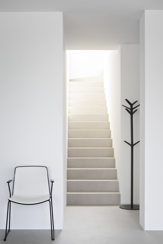 flag kleiderst nder pedrali aus metall un polypropylen. Black Bedroom Furniture Sets. Home Design Ideas