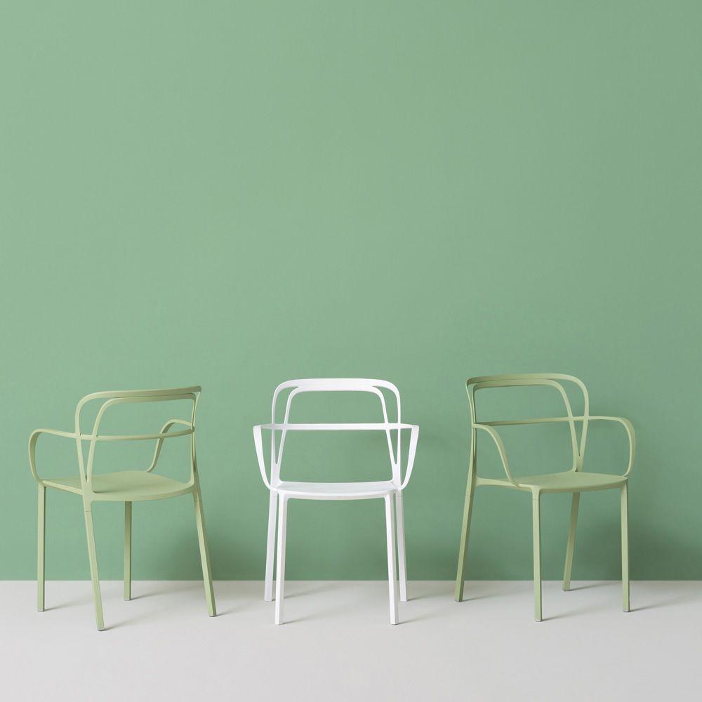Intrigo fauteuil pedrali en aluminium empilable pour l for Chaise aluminium exterieur