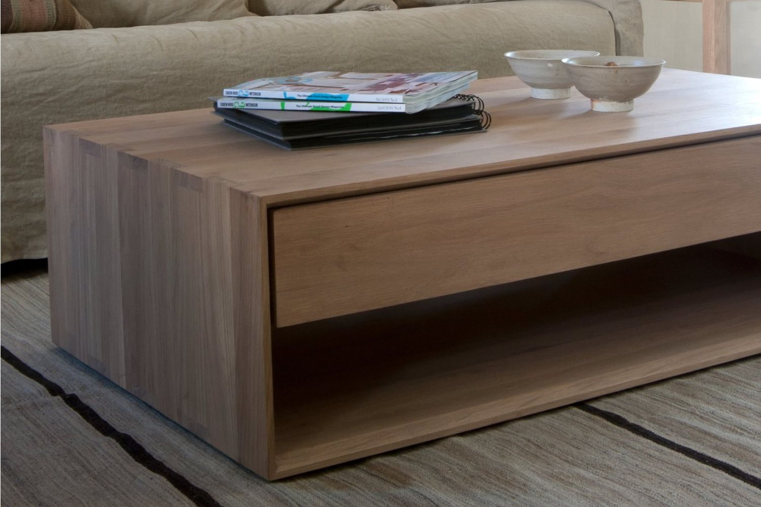 Nordic T Table basse Ethnicraft en bois disponible en