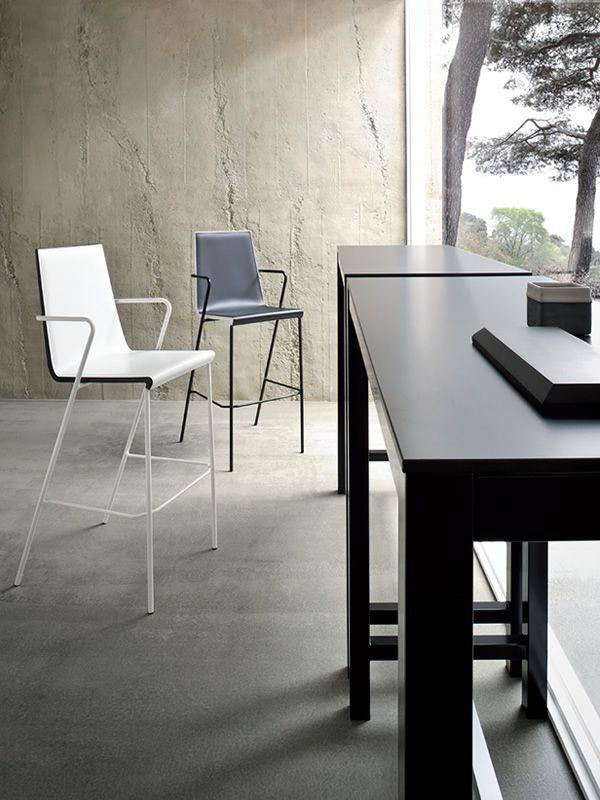 banket f r bars und restaurants hoher tisch f r bars. Black Bedroom Furniture Sets. Home Design Ideas