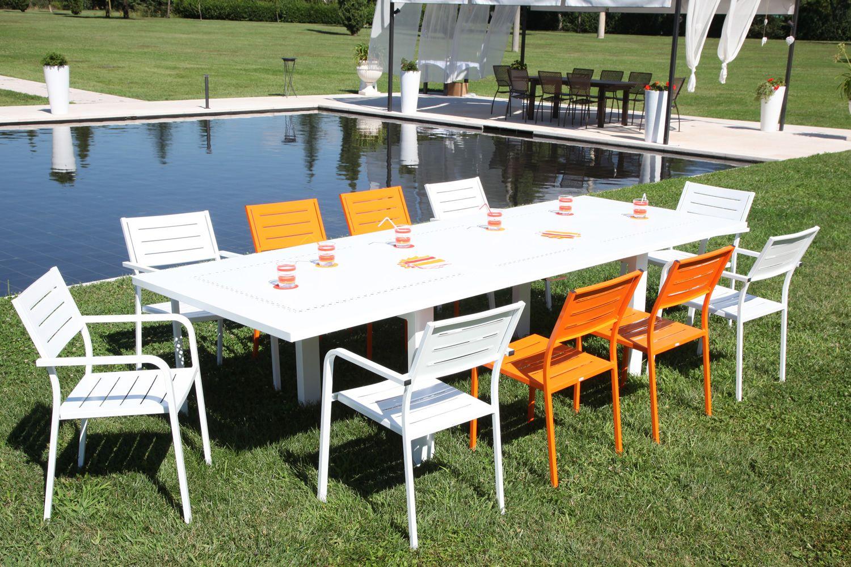 rig72 f r bars und restaurants stapelsthul aus metall verschiedene vorr tige farben f r die. Black Bedroom Furniture Sets. Home Design Ideas
