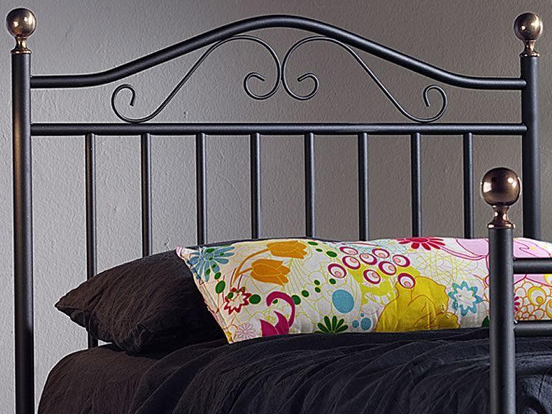 Giulia s letto singolo in ferro con pomoli in ottone - Letto in ottone rovinato ...