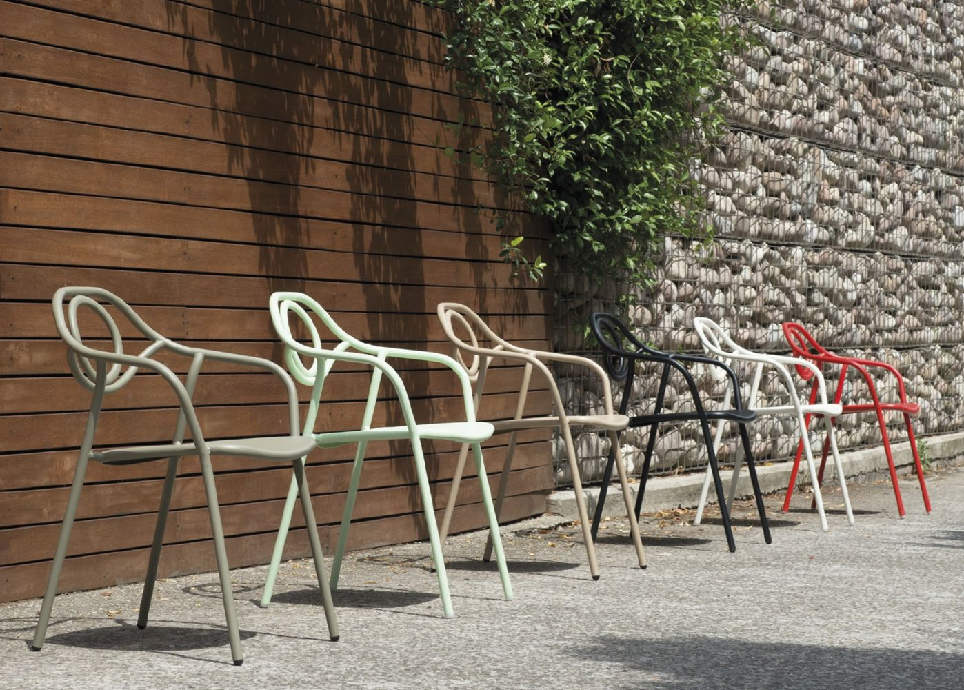 Zahir: Emu chair made of metal, for garden, stackable - Sediarreda ...