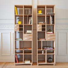 Pirouette - Ethnicraft bookcase made of wood, with 4 drawers