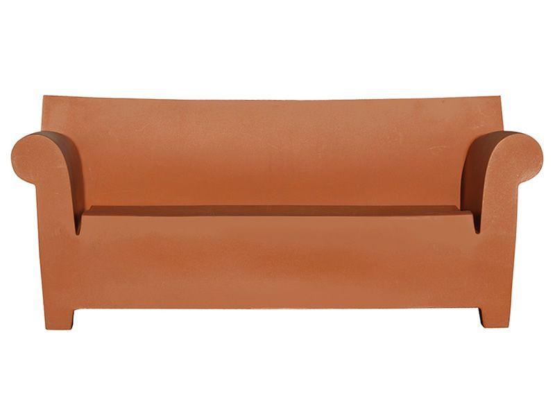Bubble club sofa divano kartell di design per giardino for Divano rosso abbinamenti