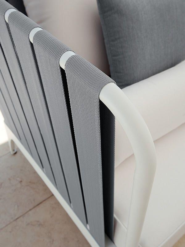 Stripe set set design da giardino divano 2 poltrone for Divanetto giardino offerta