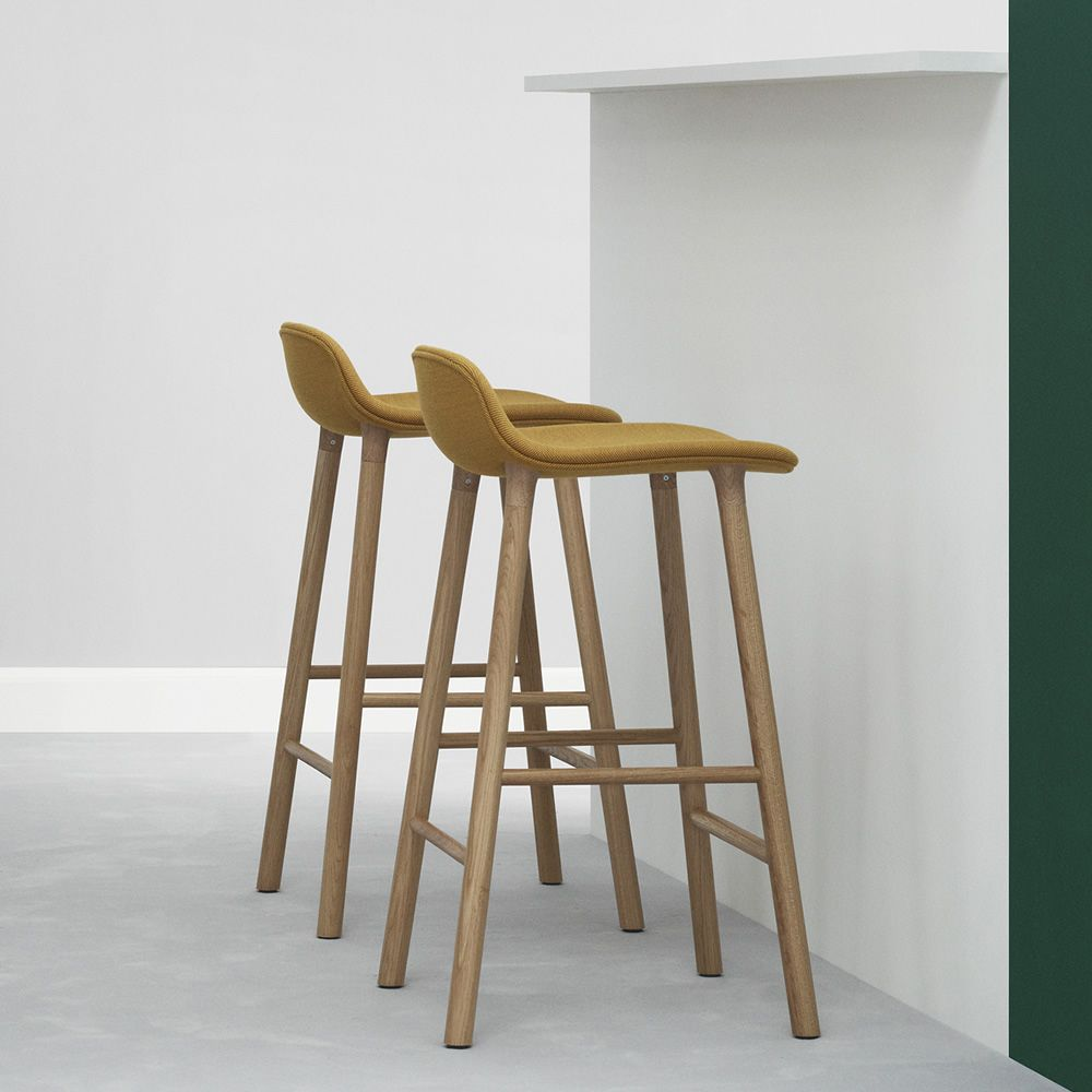 Form sgw up sgabello normann copenhagen in legno seduta for Sgabelli bar legno