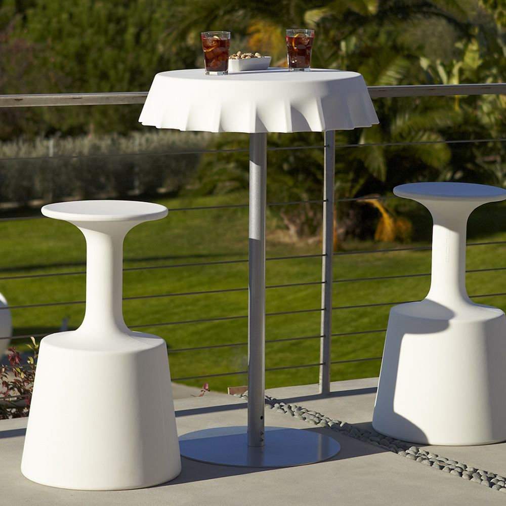 fizzz f r bars und restaurants tisch aus metall und polyethylen in verschiedenen farben und. Black Bedroom Furniture Sets. Home Design Ideas