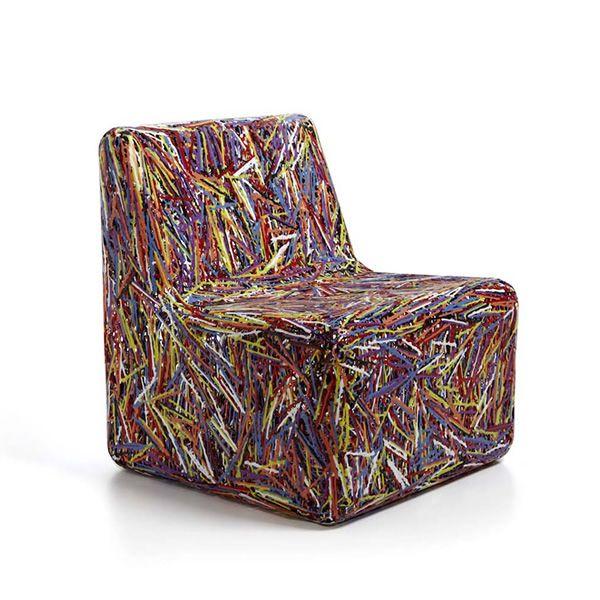 Cora | Poltroncina di design in materiale plastico, in versione multicolor, anche per giardino